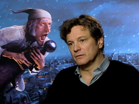 vídeos de stock, filmes e b-roll de colin firth on how the performance is like a theatre rehearsal on there being no directions at the a christmas carol interviews at london england - colin firth