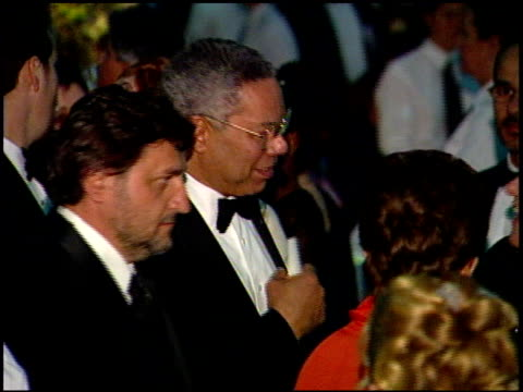 colin powell at the 1999 academy awards governor's ball at the shrine auditorium in los angeles, california on march 21, 1999. - 第71回アカデミー賞点の映像素材/bロール