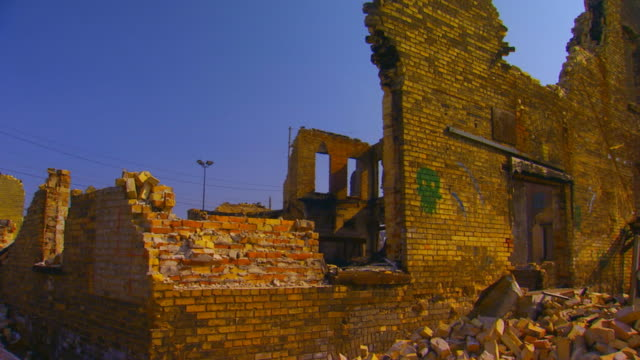 Collapse of brick building