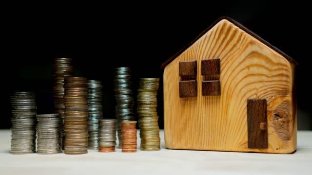 stockvideo's en b-roll-footage met geld inzamelen om een huis te kopen - onroerend goed