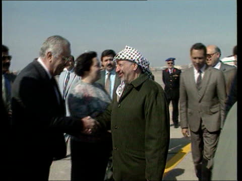 collection t02029510 221995 arab and israeli leaders gather for a summit to rescue the middle east peace process cairo israel air force plane taxiing... - シモン・ペレス点の映像素材/bロール