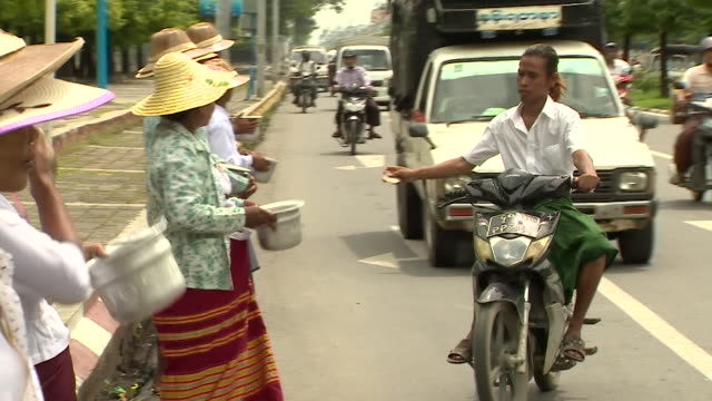 Collections for Rakhine State refugees in Mandalay Burma