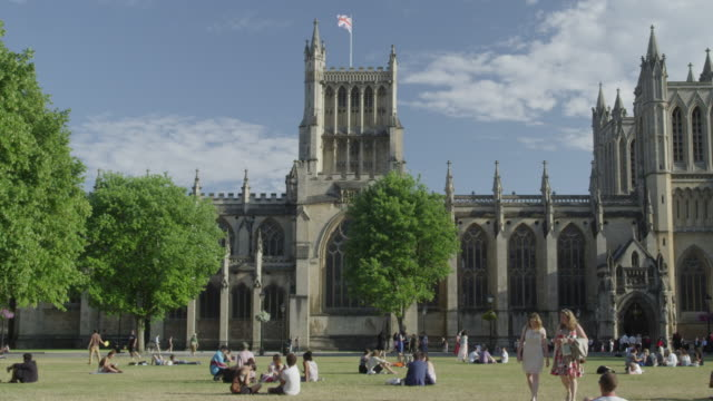 stockvideo's en b-roll-footage met college green and bristol cathedral. - bristol engeland