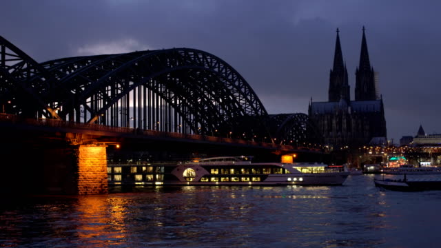 cologne at dusk - rhein stock-videos und b-roll-filmmaterial