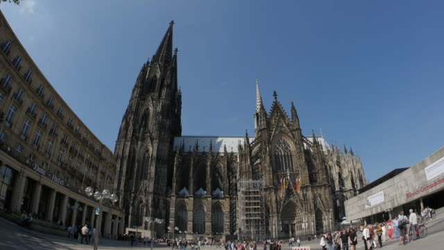 cologne cathedral, cologne, north rhine westphalia, germany - kathedrale stock-videos und b-roll-filmmaterial