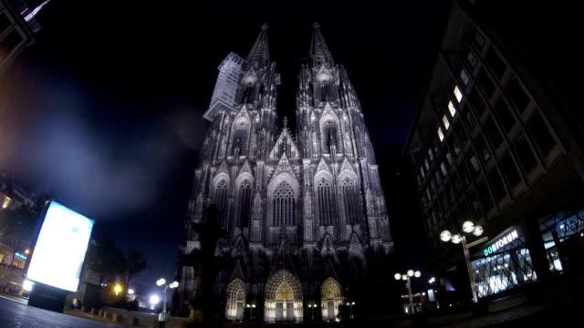kölner dom-zeitraffer - kathedrale stock-videos und b-roll-filmmaterial