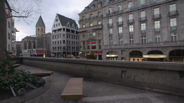 steadycam: cologne city germany - small group of animals stock videos & royalty-free footage