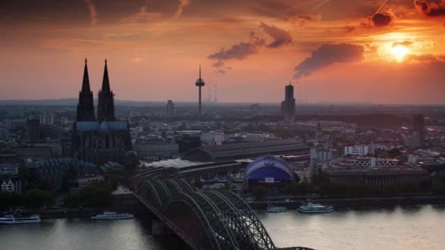 ZEITRAFFER: Skyline von Köln