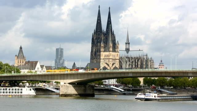 Köln mit Kölner Dom, Zeitraffer