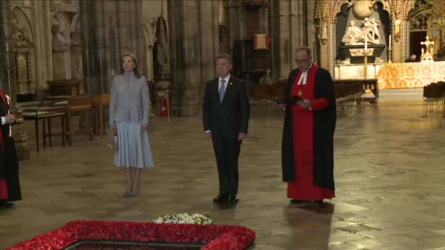 colombia's president juan manuel santos who last month won the nobel peace prize for his efforts to end the half entury war with farc rebels lays a... - tomb of the unknown warrior westminster abbey stock videos & royalty-free footage