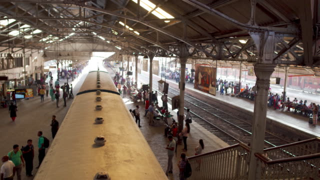colombo fort railway station morning rush-hour - sri lankan culture stock videos & royalty-free footage