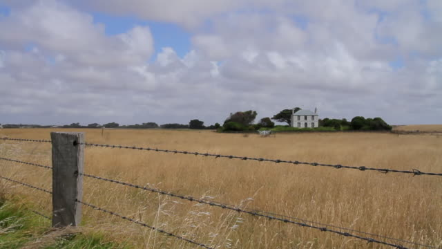 ms colonial homestead at port fairy / melbourne, victoria, australia - fence stock videos & royalty-free footage