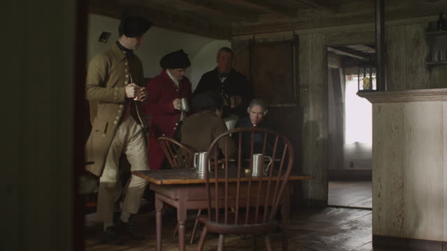 colonialists drinking in tavern - kolonialstil stock-videos und b-roll-filmmaterial