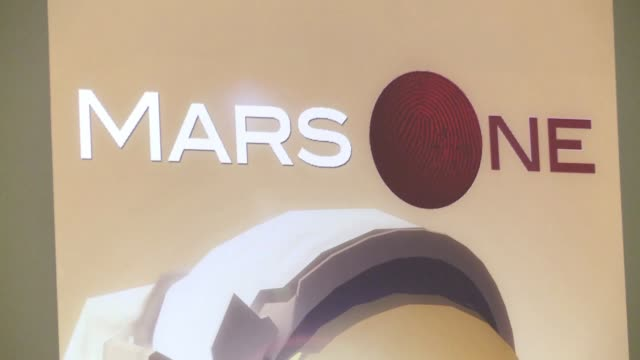 colonizar marte es la propuesta de una compania holandesa que pretende enviar seres humanos al planeta en 2023 y abrio una convocatoria a todo el que... - planeta stock videos & royalty-free footage