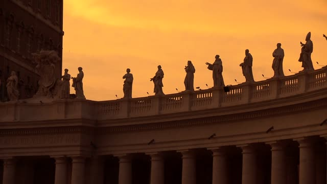 colonnade on st. peter's square in vatican - state of the vatican city stock videos & royalty-free footage