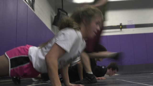 stockvideo's en b-roll-footage met colorado experimented with girlsonly wrestling tournaments as the sport continues to grow for females at the local and national level - tienermeisjes