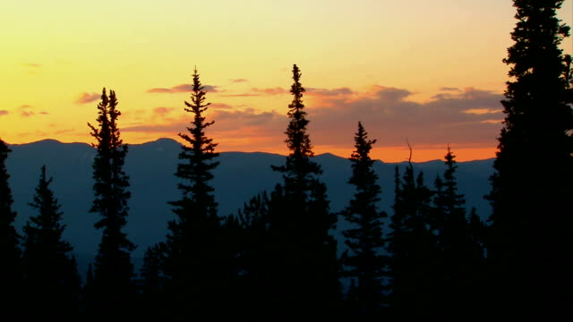 colorado mountain sunset time lapse - colorado stock videos & royalty-free footage