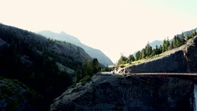 ユーレイのコロラド州山の町 - ユアレイ市点の映像素材/bロール