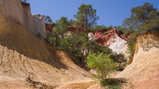 colorado provencal rustrel - luberon stock-videos und b-roll-filmmaterial