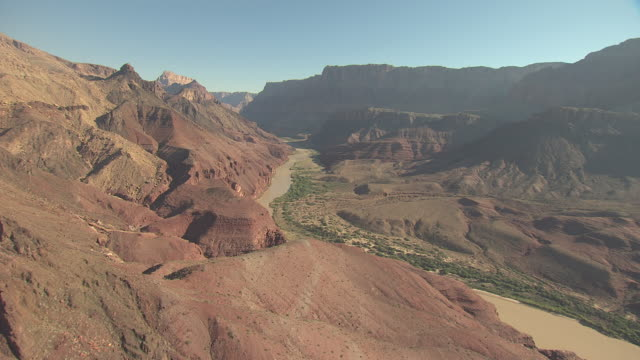 stockvideo's en b-roll-footage met ws aerial colorado river at zuni point corridor approaching little colorado confluence in grand canyon / arizona, united states - zuni