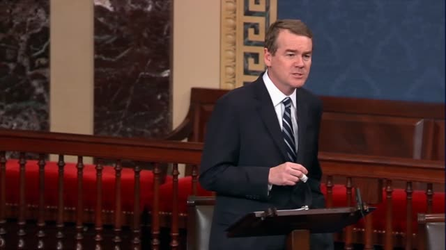 colorado senator michael bennet says local government had worked with fema and others to literally dig out of mud and rocks from floods never seen... - senator bildbanksvideor och videomaterial från bakom kulisserna