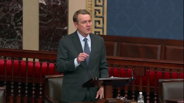 colorado senator mike bennet says in evening floor remarks days after the death of supreme court justice ruth bader ginsburg that in reflecting on... - abbigliamento da neonato video stock e b–roll
