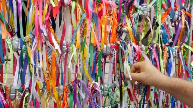 ベレン・ド・パラのナザレ大聖堂の色付きリボン - お土産点の映像素材/bロール