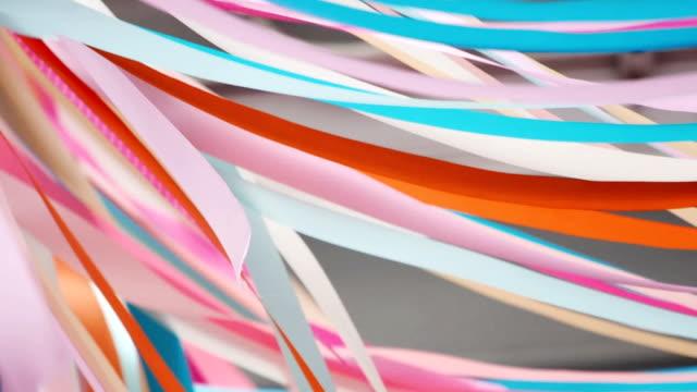 Bunte fließende Bänder abstrakten Hintergrund