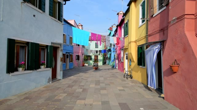 colorful houses in burano, burano, venice, venetian lagoon, veneto, italy - washing line stock videos and b-roll footage