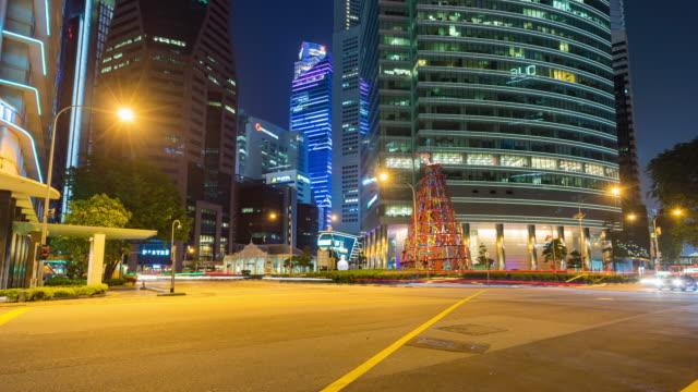 vídeos y material grabado en eventos de stock de tráfico de la colorida noche en singapur, video de lapso de tiempo - vehículo comercial terrestre