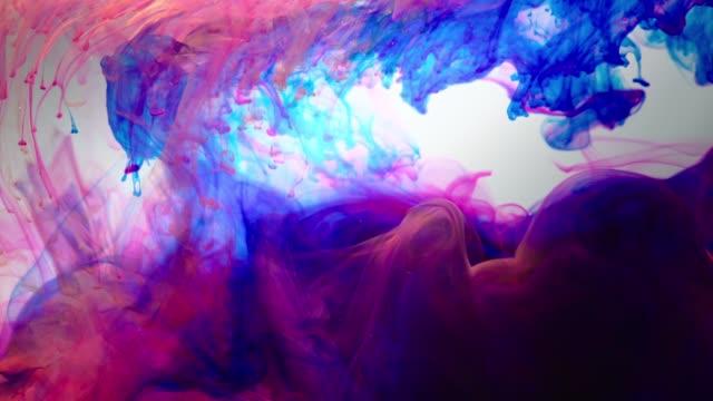 vídeos de stock, filmes e b-roll de colorful paint drops spreading in water / south korea - variação