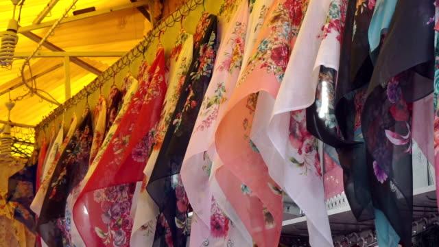 vídeos y material grabado en eventos de stock de tm colorido scarves - pañuelo de cabeza