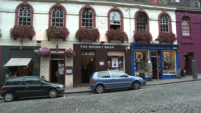 MS, PAN, Colorful stone buildings in Victoria Street, Edinburgh, Scotland, United Kingdom