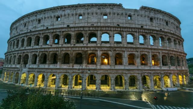 stockvideo's en b-roll-footage met colosseum in rome, italië - colosseum