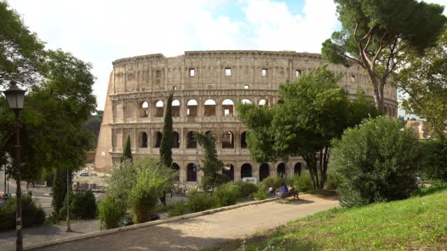 colosseum in rome, realtime - colosseo video stock e b–roll