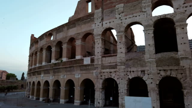 colosseum in rome - arco architettura video stock e b–roll