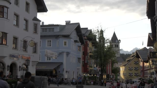 colourful buildings in vorderstadt at dusk, kitzbuhel, tyrol, austrian alps, austria, europe - austria stock videos & royalty-free footage