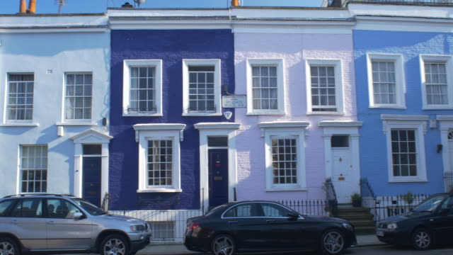 colourful townhouses in notting hill,london. - kensington und chelsea stock-videos und b-roll-filmmaterial