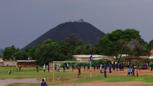 vidéos et rushes de coltan mine - lubumbashi, drc - industrie minière