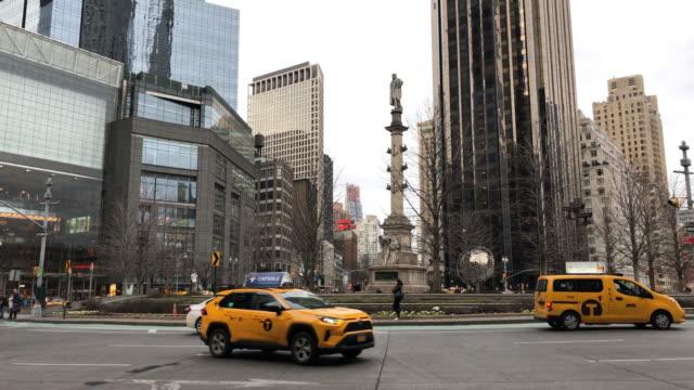 ニューヨーク市の建物に囲まれたコロンバスタワー - クリストファー コロンブス点の映像素材/bロール