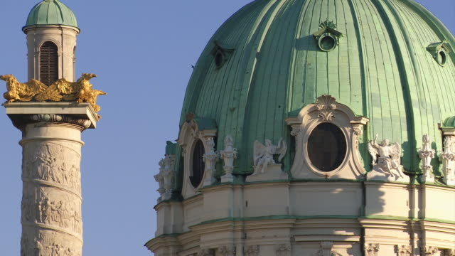 cu tilt up column and dome of the karlskirche (st. charles's church) in vienna - カールスプラッツ点の映像素材/bロール