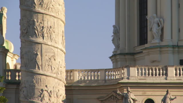 cu tilt up column of the karlskirche (st. charles's church) in vienna - カールスプラッツ点の映像素材/bロール