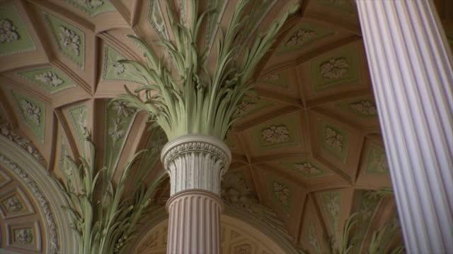 vídeos y material grabado en eventos de stock de columns and ceiling in st. nicholas church in leipzig, germany - johann sebastian bach