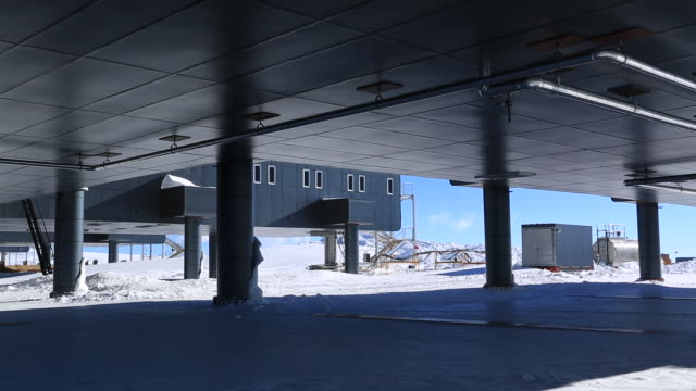 columns and raised base of amundsen-scott south pole station - pole stock videos and b-roll footage