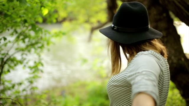 Komm mit mir zum Fluss