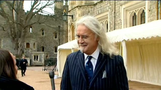 stockvideo's en b-roll-footage met comedian billy connolly has cancer surgery and is diagnosed with parkinson's disease r04041314 / 442013 windsor castle connolly speaking to press - billy connolly