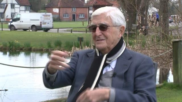 stockvideo's en b-roll-footage met comedian ronnie corbett dies aged 85 berkshire maidenhead sir michael parkinson interview sot - michael parkinson