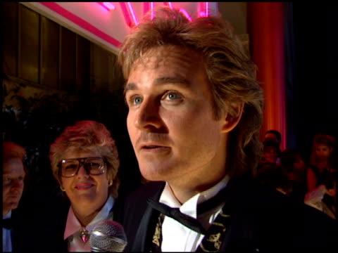 comedy awards 95 at the comedy awards 95 at the shrine auditorium in los angeles california on february 26 1995 - ジャーマンコメディアワード点の映像素材/bロール
