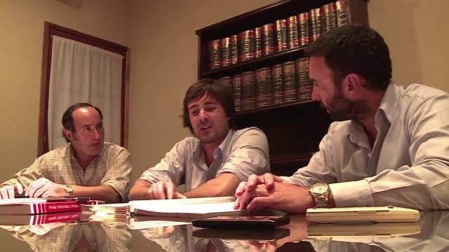 comienza en salta argentina el juicio a tres hombres acusados del asesinato de dos turistas francesas encontradas muertas en la reserva turistica de... - hombres stock videos & royalty-free footage
