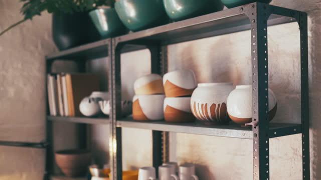 あなたの家にすぐに来る - 陶器点の映像素材/bロール